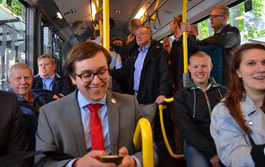 Gemeinsamer politischer Stadtrundgang der PARTEI und CDU im Frankfurter Osten